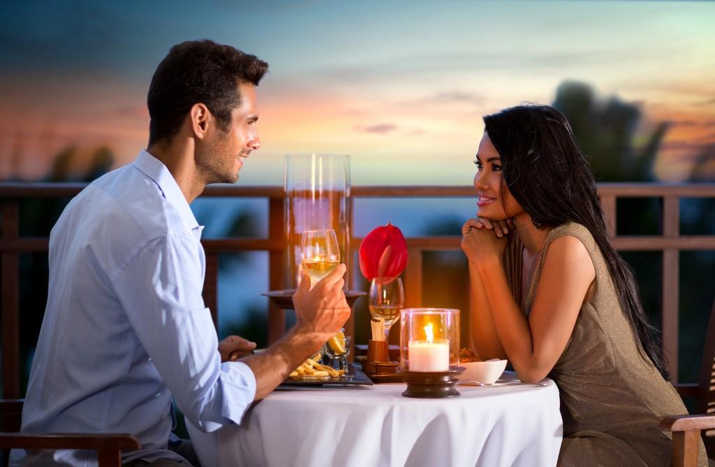 A romantic dinner date